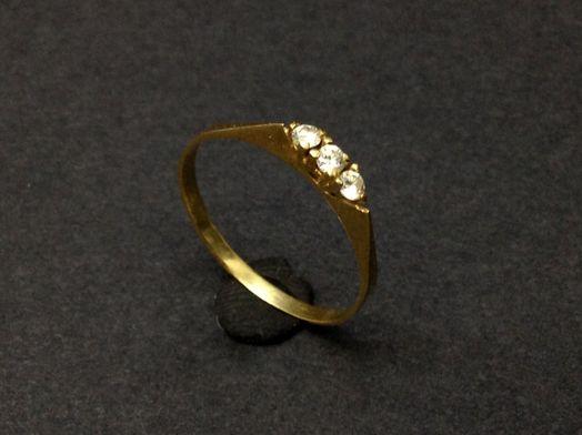 anillo oro primera ley (oro 18k con piedra)