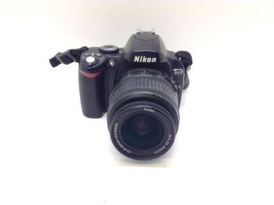 camara digital reflex nikon d40+af-s dx ed 18-55mm 1:3.5-5.6g ii