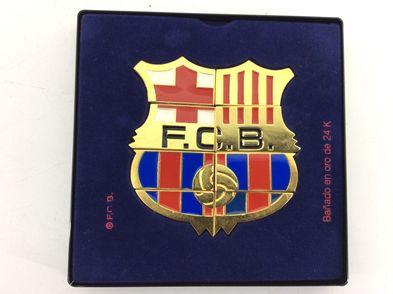 coleccionismo deportivo otros escudo bañado en oro 24  fcb