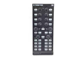 controlador native instruments kontrol x1