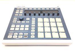 controlador native instruments mk2