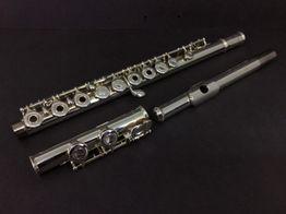 flauta yamaha 281 established in 1981