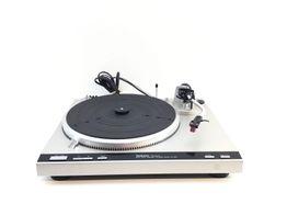 gira-discos technics sl-q33