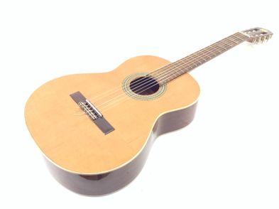 guitarra clasica alhambra 2c cedro