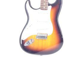 guitarra electrica squier strat