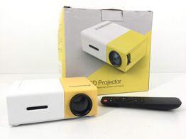 mini proyector excelvan yg300