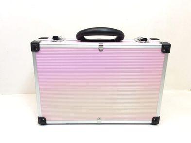 otros baño otros maleta rosa