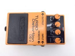 pedal efectos boss turbo distortion ds-2