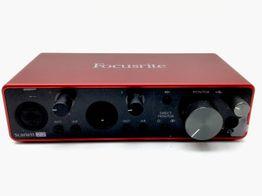 tarjeta sonido focusrite scarlet 2i2
